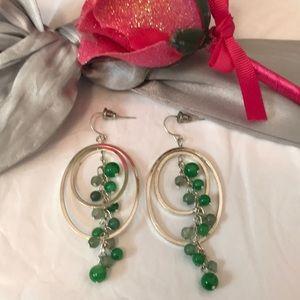 Jewelry - Pretty silver earrings 🌼